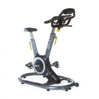 Cyklotrena��r Relay Fitness EVOcx Angle